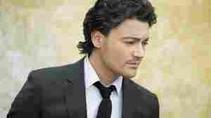 Vittorio Grigolo takes on arias by Puccini, Verdi and Donizetti on his album The Italian Tenor.