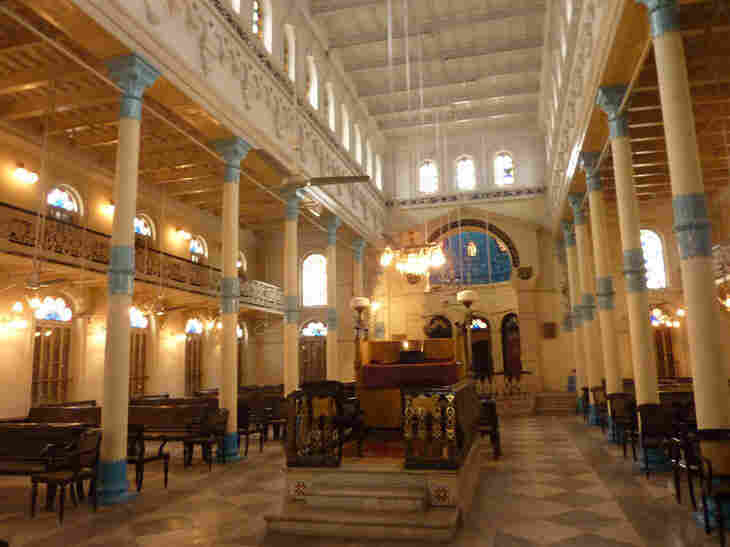 While services are no longer performed at the Bethel Synagogue in Calcutta, the building has been preserved as a historical site.