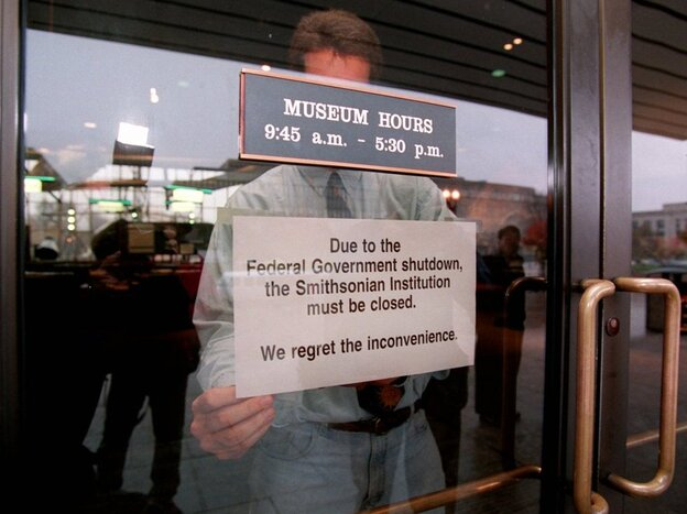 Nov. 14, 1995: A government shutdown forces the Smithsonian's Air and Space Museum in Washington to close.