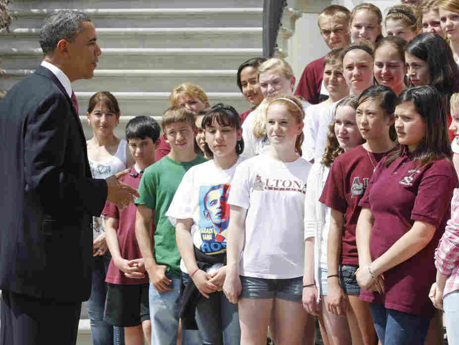 President Obama meets middle school students from a Longmont, Colo. at the White House, April 11, 2011.