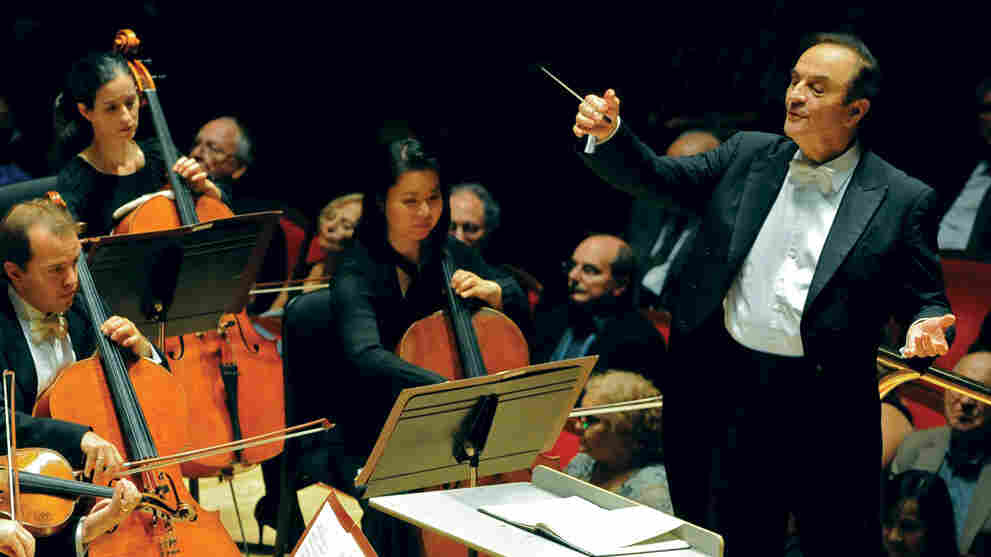 Chief conductor Charles Dutoit presides over a financially troubled Philadelphia Orchestra.