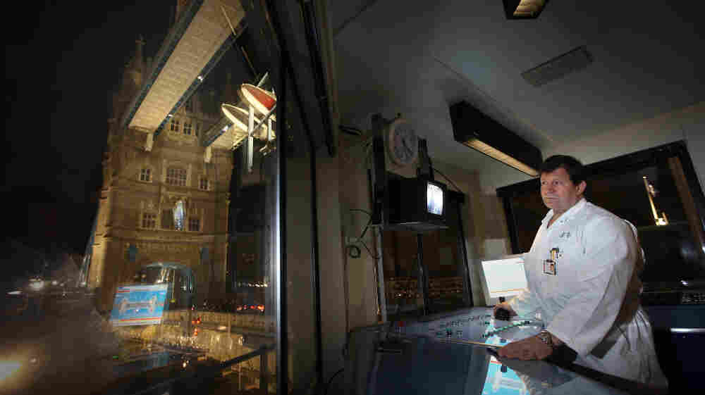 Charles Lotter is an operator of Tower Bridge in London and can work all night if a bridge lift is required. Sleep experts say that even people who routinely work night shifts will experience times when they get sleepy in the middle of the night.
