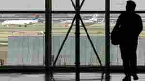 Airline Rules Address Delays, Bag Fee Refunds