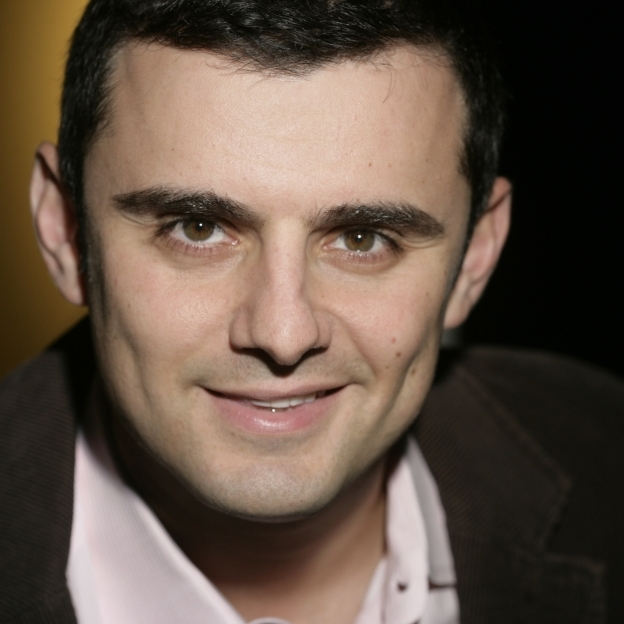 New York Times best-selling author Gary Vaynerchuk launched Wine Library TV, a daily video blog about wine, in 2006.