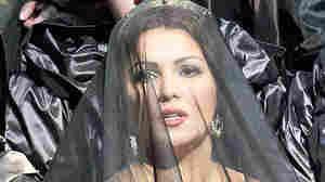 Soprano Anna Netrebko stars in the Vienna State Opera production of Donizetti's Anna Bolena.