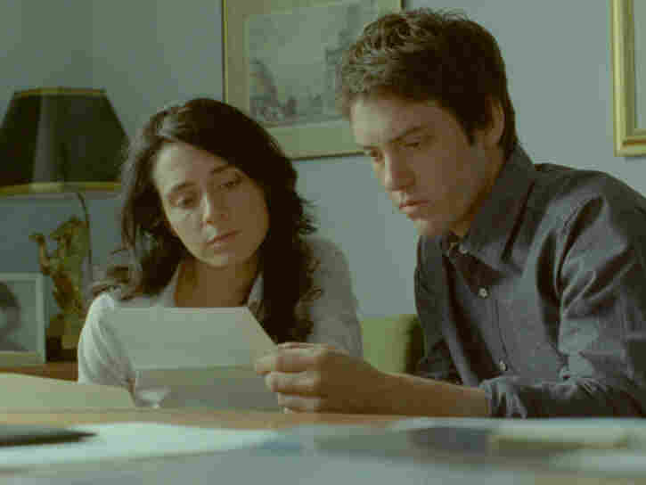 In Incendies, twins Jeanne and Simon Marwan (Melissa Desormeux Poulin, Maxim Gaudette) go to the Middle East in search of the father they thought was dead and the brother they never knew.