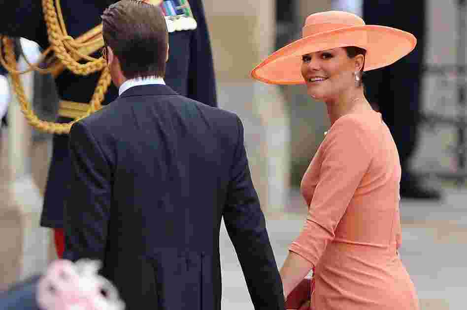 Princess Victoria of Sweden and Prince Daniel of Sweden arrive at Westminster Abbey.