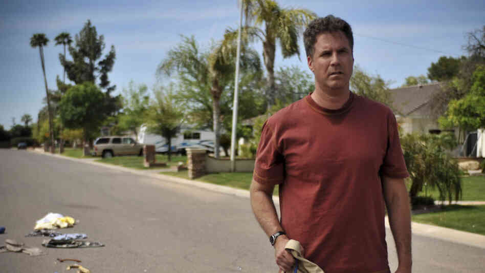 After he falls off the wagon, Nick Halsey (Will Ferrell) loses his job and gets kicked out of the house. Instead of leaving, he decides to sit on his front lawn, drink beer and sell off most of his possessions.