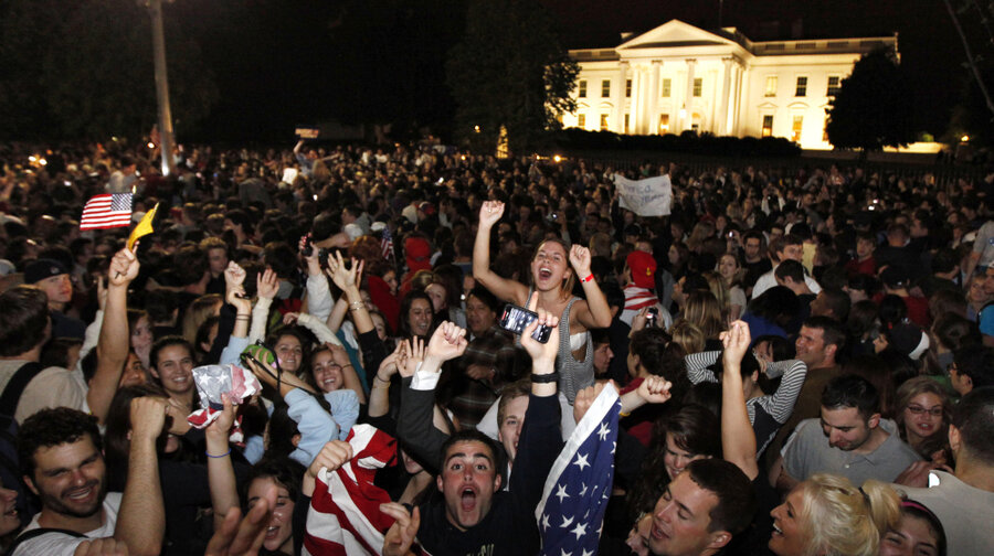 http://media.npr.org/assets/img/2011/05/02/osama-death-celebrated-by-crowd-at-white-house_7137673_wide-81d420967a48ee88ca7c8ae54004993f7a213f5f-s900-c85.jpg