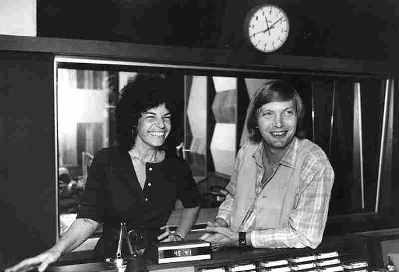 Susan Stamberg and Bob Edwards in 1978.