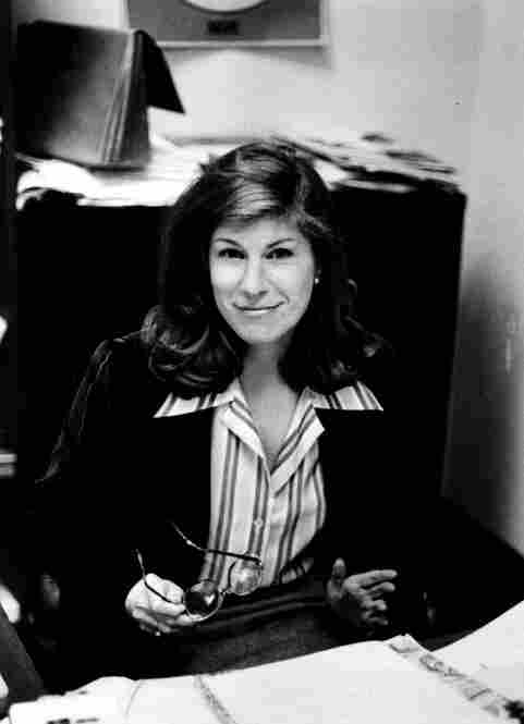 Nina Totenberg at her desk in 1980.