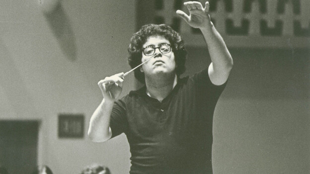 James Levine conducts during a rehearsal before his debut with the Metropolitan Opera on June 5, 1971. (Metropolitan Opera)