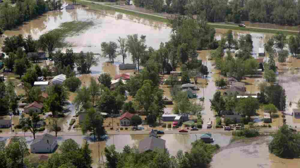 Flooding has already hit places such as downtown Tiptonville, Tenn., as the Mississippi River is expected to rise to its highest levels since the 1920s in parts of some states.