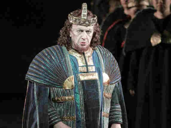 Leo Nucci as Nabucco.