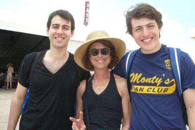 L-R: Alex Roseman, Shelley Sackett and James Roseman of North Boston, Mass.