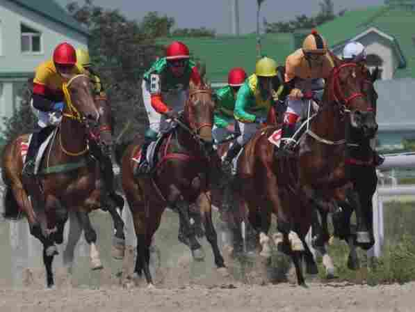African Americans have a long history of racing horses — as celebrity jockeys.