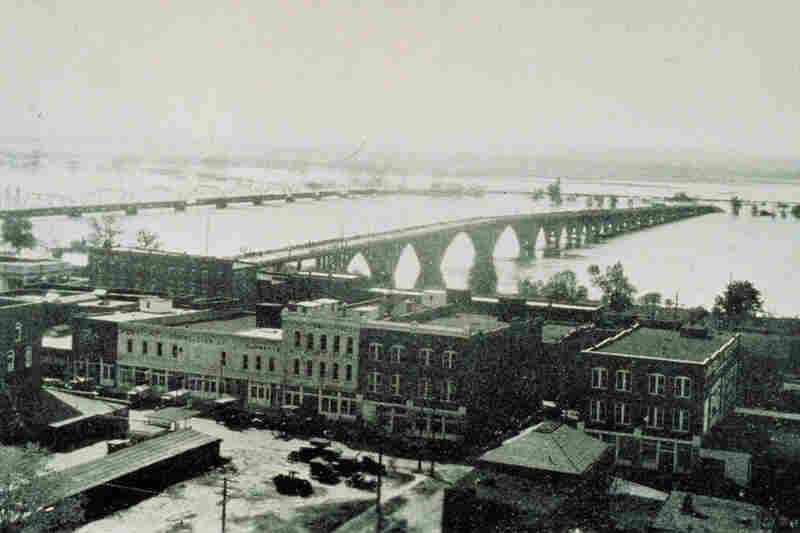 The Arkansas River swamped parts of Fort Smith, Ark., in 1927.