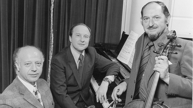 The Beaux Arts Trio in an undated photo: violinist Isidore Cohen, pianist Menahem Pressler, and cellist Bernard Greenhouse. (courtesy of Decca)