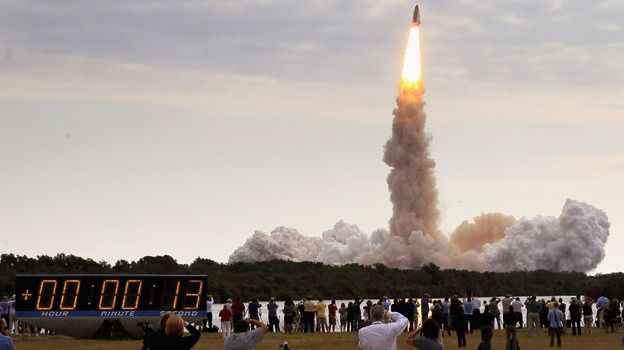 The space shuttle  Endeavour lifted off from Kennedy Space Center in Cape  Canaveral, Fla.,  on Monday to began a mission to the International Space  Station.