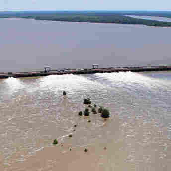 Floods Threaten Historic Sites, Not Tourist Favorites