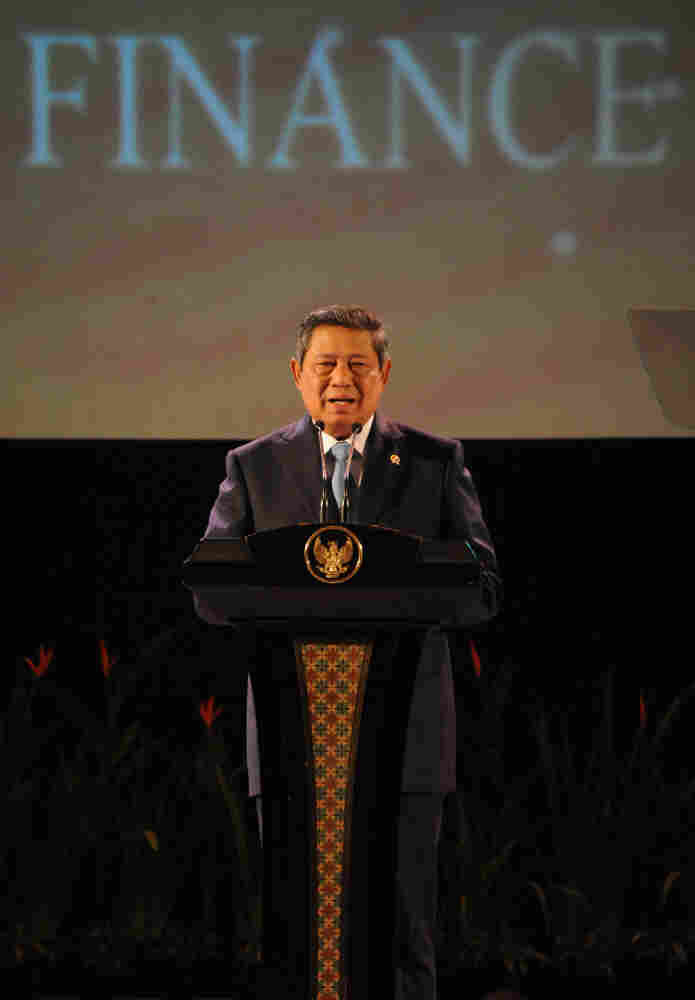 Indonesian President Susilo Bambang Yudhoyono delivers remarks during the opening ceremony of the 15th Association of South East Asian Nations (ASEAN) finance ministers' meeting on April 8, 2011.