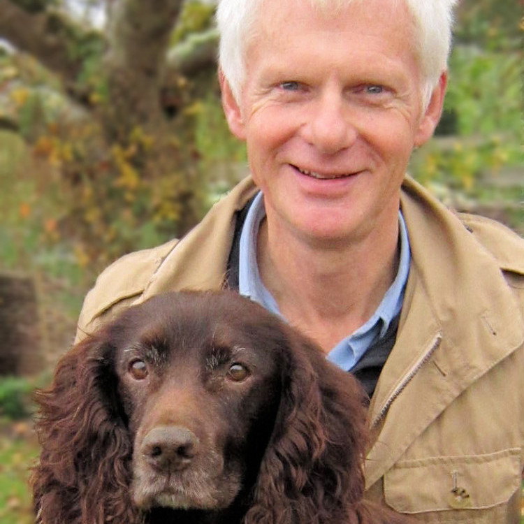 Dr. John Bradshaw is an anthrozoologist and a noted scholar of animal-human interactions.