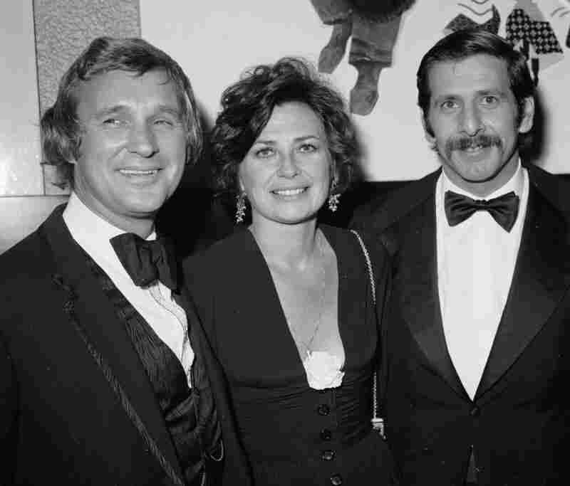 Jewison (left) in 1971, at the premiere of Fiddler on the Roof in London. He's joined by the film's stars, Norma Crane (center) and Topol.
