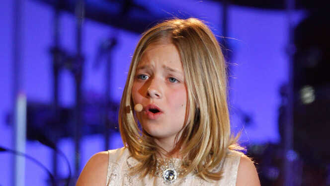 Jackie Evancho: Chasing Her Dreams