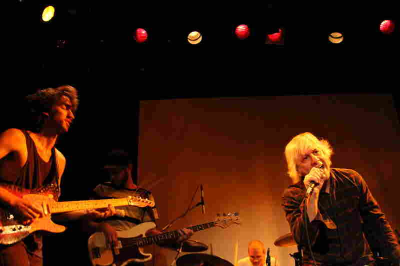 Delicate Steve play the Minutemen, with the help of Sonic Youth's Lee Ranaldo.