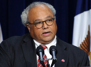 U.S. Global AIDS Coordinator and Ambassador Eric P. Goosby speaks on HIV/AIDS during an event at the White House in November 2009.