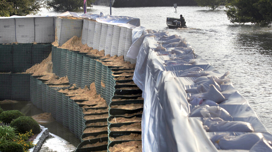 How to make sandbags for flood control