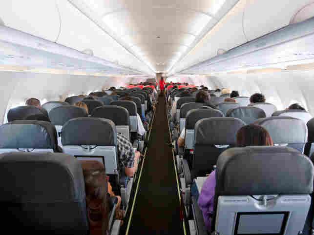 As airplane cabins get more cramped, discomfort climbs.
