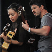 Rodrigo y Gabriela performs at the 2011 Sasquatch Music Festival.