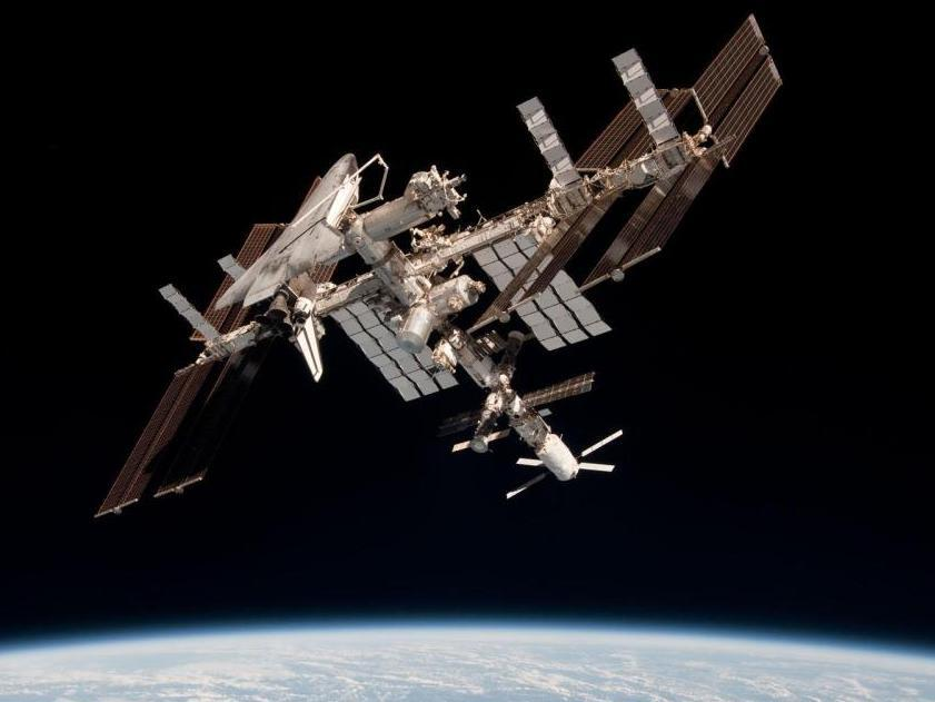us shuttle joins russian space station - photo #42