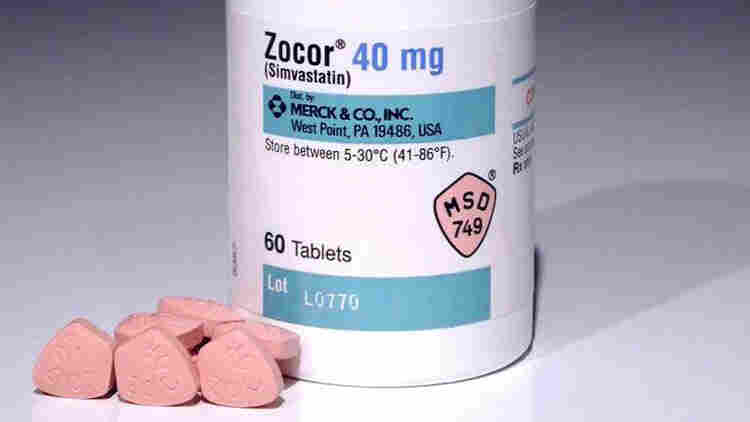 The FDA says the highest approved dose of simvastatin, the generic name for the cholesterol-lowering drug Zocor, has been linked to increased risk of muscle injury.
