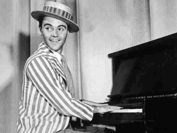 Jack Lemmon plays the piano at New York's Old Knick Music Hall in 1947, his first job in the entertainment industry.