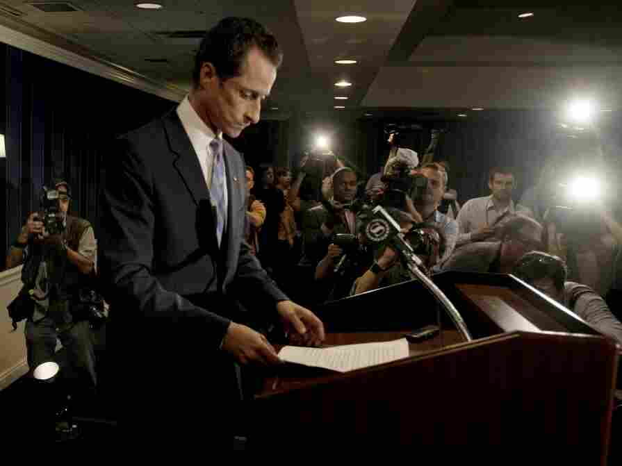 Rep. Anthony Weiner (D-NY) at the Monday news conference where he admitted to lying about sending a lewd photo and said he had inappropriate online and telephone exchanges with six women in recent years.