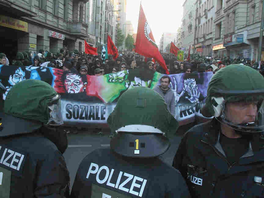 Left-wing demonstrators confront riot police during a May Day march in Kreuzberg last month. The neighborhood saw another clash between the police and protesters last week after a report was released showing rapidly increasing rental costs.