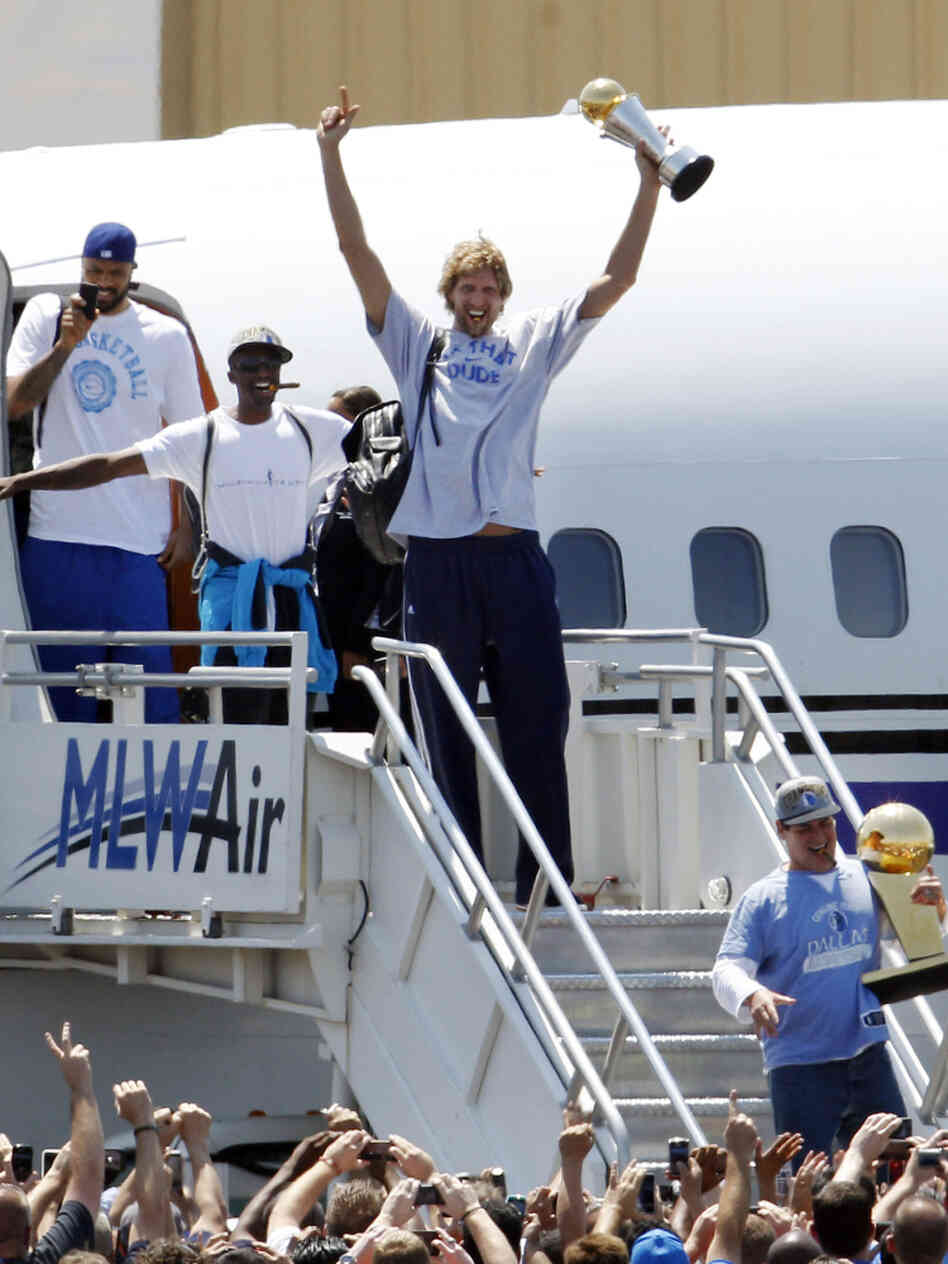 Honorary Ohioans aka the NBA champion Dallas Mavericks.