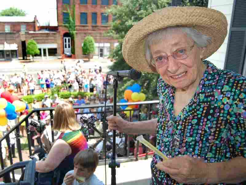 Alabama storyteller and author Kathryn Tucker Windham celebrated  her 90th birthday on June 1, 2008, outside the Selma-Dallas County Library in Selma, Ala. She died Sunday. She was 93.