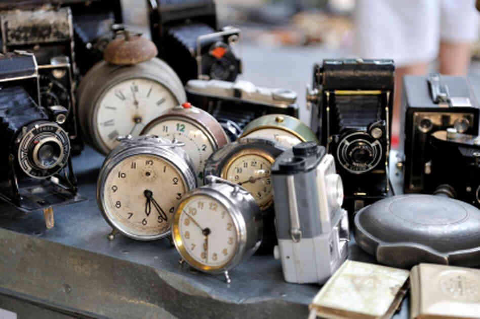 Hidden Treasure How-To: Maureen Stanton offers 10 tips for finding valuable antiques and hidden flea market gems. Click here to see her suggestions.