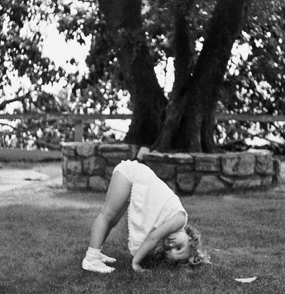 A young Jennifer Grant plays in the yard of her Beverly Hills home in 1969.