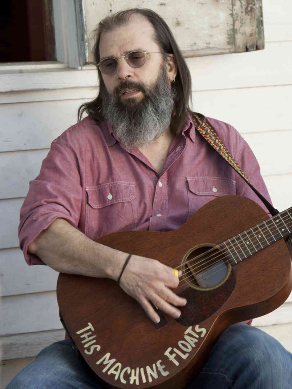 Steve Earle as Harley.