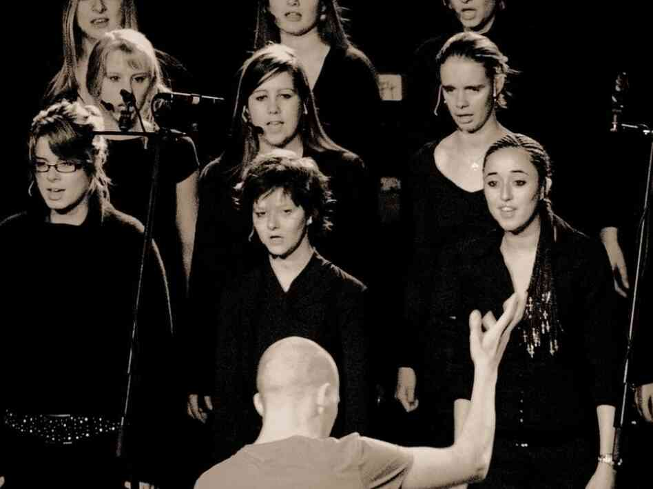 "The Belgian girls' choir Scala transforms Lamb's ""Gorecki"" into something more cautious and introspective."