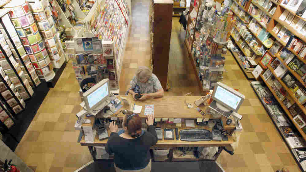 The Fireside Book Shop in Chagrin Falls, Ohio, makes a sale.