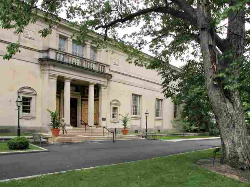The doors of the Barnes Foundation gallery close to the public on Sunday.