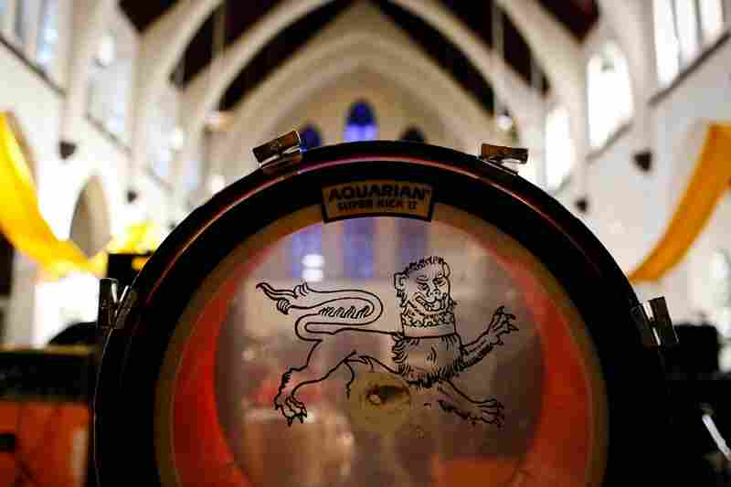 The sanctuary of St. Stephen's church, through The Body's bass drum.