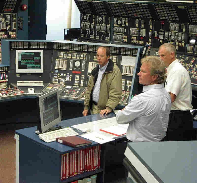 Engineers at the Grand Gulf Nuclear Generating Station in Mississippi practice disaster and emergency situations in a mock-up control room. Every nuclear plant in the U.S. has control room simulators that are nearly exact replicas of the real facilities.