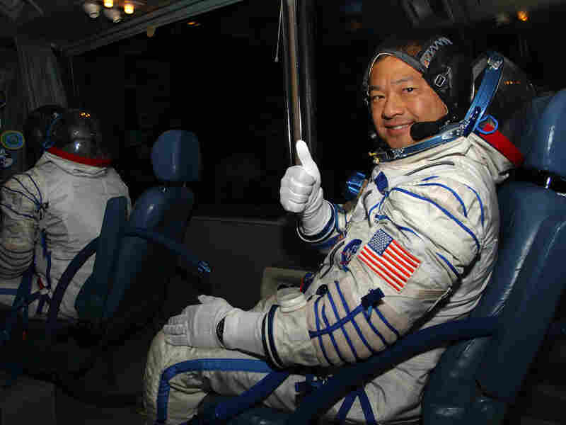 American astronaut Leroy Chiao gives