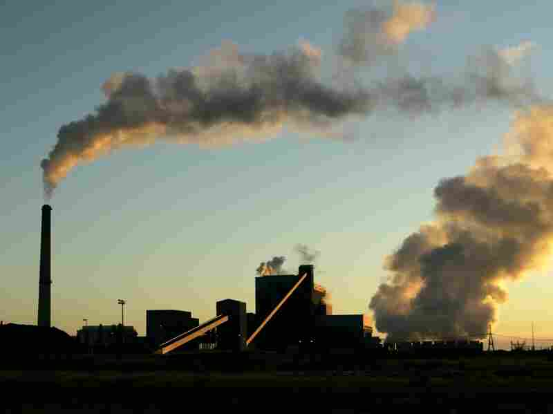 Sunflower Electric Cooperative's coal-fired power plant in Holcomb, Kan., churns out electricity. Kansas is one of the states included in the new pollution rule.